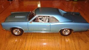1/18 SCALE DIECAST 1966 PONTIAC GTO BY HWY 61 COLLECTIBLES