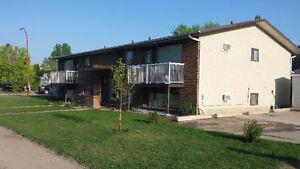 1 bedroom   in 4 plex close all amenities. NE Crescent Heights