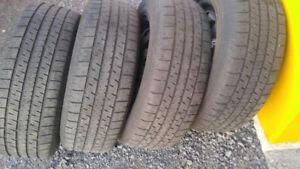 """4 pneus d'hiver de 14 pouces sur rim,2 pneu 14"""" et 1 pneu de 19"""""""