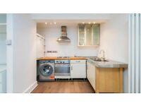 Large Studio to rent in Ladbroke Grove
