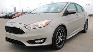 2015 Ford Focus SE HATCH BACK Accident Free,  Sunroof,  Back-up