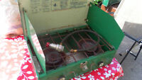 Coleman portable gas stove VINTAGE very good working condition o