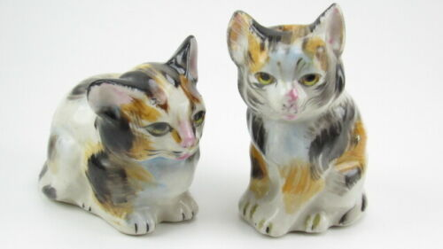 Vintage Japan Small Porcelain Calico Kitty Cat Salt and Pepper Shakers Figurines