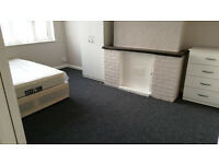 Spacious Double Room. All Bills included