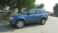 2009 Ford Escape XLT SUV, Crossover 4CYL 4WD