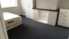 triple room in Goodmayes including bills