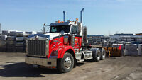 2006 Kenworth T800 Hiway Tractor - Day Cab - Tandem Axle
