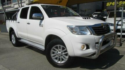 2013 Toyota Hilux KUN26R MY14 SR5 (4x4) White 5 Speed Manual Dual Cab Pick-up Homebush Strathfield Area Preview