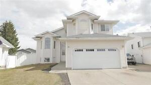 Vaulted Ceilings, 2nd Kitchen and Bedrooms w Separate Entrance!!