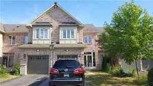 Town house for rent in Richmond Hill