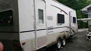 2004 25 ft travel trailer. Exc cond.