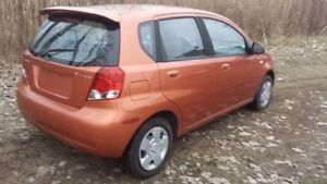 2004 Pontiac Wave Hatchback Windsor Region Ontario image 5
