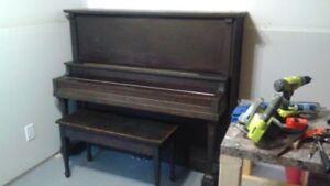 Piano droit Langelier à vendre!