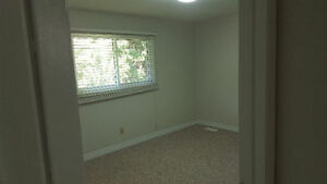 Main floor of bungalow for rent in White Oaks area London Ontario image 6