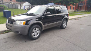 Ford escape XLT 2001 2300$ 4x4