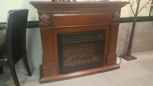 Beautiful Electric Fire place Unit. Need to go by tommrow Windsor Region Ontario image 1