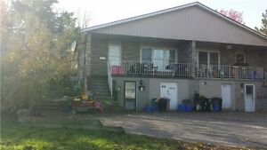 Cumberland/Essa-3Bdrm 2nd Flr Apt For Rent