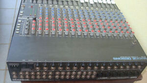 Mackie CR1604 - 16 Channel Analog Mixing Console (Made in USA)