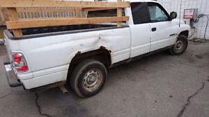 1998 Dodge Power Ram 1500 Pickup Truck..needs work
