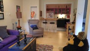 bedroom sublet in shared 2 floor house: Mile-End/Outremont