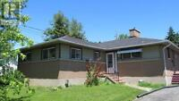 Great Family home close to everything Gananoque has to offer