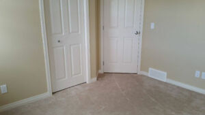Very Nice bedroom located in NW with Utilities Available Now