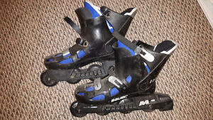 Men's (I think ?) Size 10, BAUER Roller Blades