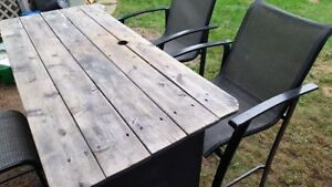 Outdoor Bar, 2 chairs, 1 stool Kitchener / Waterloo Kitchener Area image 1