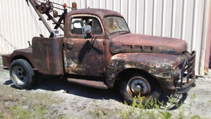 Looking for a  classic tow truck