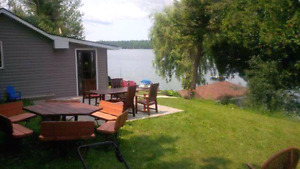Water front cottage 10 mins from Kingston