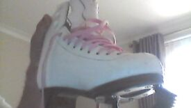 jacksons ice skates size 3 been worn a lot still in good condition 10 pound ono