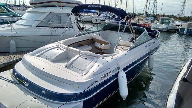 Four Winns 255 Sundowner 2007 - desirable boat, great conditioon - Lying  Poole | in Corfe Mullen, Dorset | Gumtree