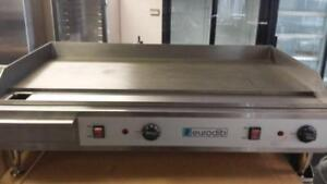 "PLAQUE 36 """" Electric Griddle-Brand New- 1 Year Warranty!"