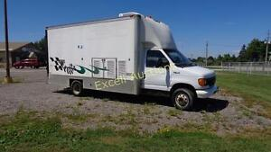 2003 Ford E-450 Series  Cube Van London Ontario image 3