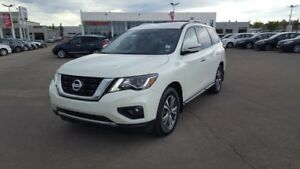 2017 Nissan Pathfinder AWD SV $29888 Accident Free,  Heated Seat