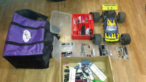 RC Jammin X1 Truggy 4x4 nitro with load of part and good motor