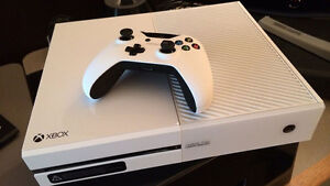 White 500GB Xbox One with Game and Headset