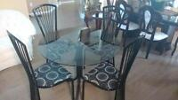 SET - GLASS DINING TABLE SET (seats 4) - AMAZING CONDITION!!!