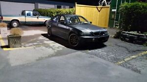 2002 BMW 325XI (All Wheel Drive) **Etested**