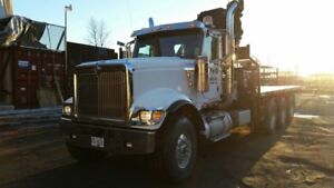 INTERNATIONAL CRANE TRUCK W/477 E-8 HIPRO
