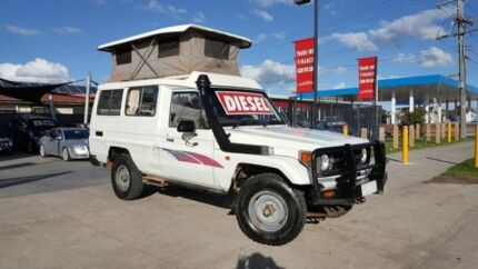 1995 Toyota Landcruiser HZJ75RV (4x4) 11 Seat 5 Speed Manual 4x4 TroopCarrier