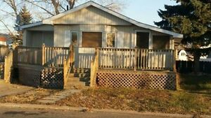 Mobile house for sale/rent in wainwright