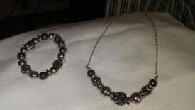 fashion jewelry necklace and matching bracelet new