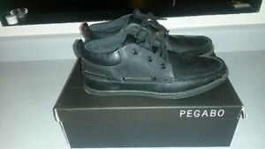Pegabo leather shoe (size 10 mens)