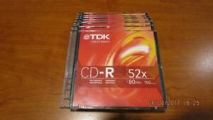 8 Blank CD-Rs (new)