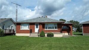 A NICE 3 BED BUNGALOW! FINISHED BASEMENT! CALL TODAY!