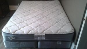 Queen Size Woodhaven Pillowtop Matress/Boxspring/Dark Wood Frame