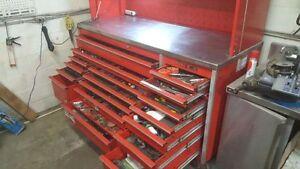 Coffre d'outils garage Snap-on KRL AVEC OUTILS (VALEUR 11,000$ )
