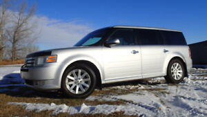 2009 Ford Flex AWD 7 seater/ dvd