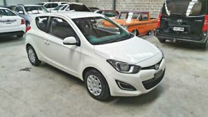 2014 Hyundai i20 - Manual - Hatchback - White Queanbeyan Queanbeyan Area Preview